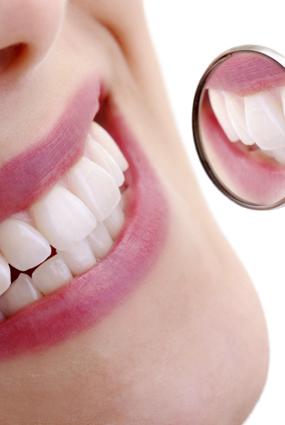 Nyerje vissza fogai fehérségét és egészségét!