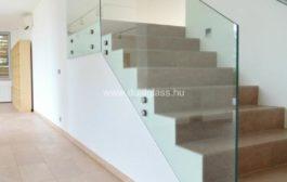 Kreatív belsőépítészeti kivitelezés üvegből