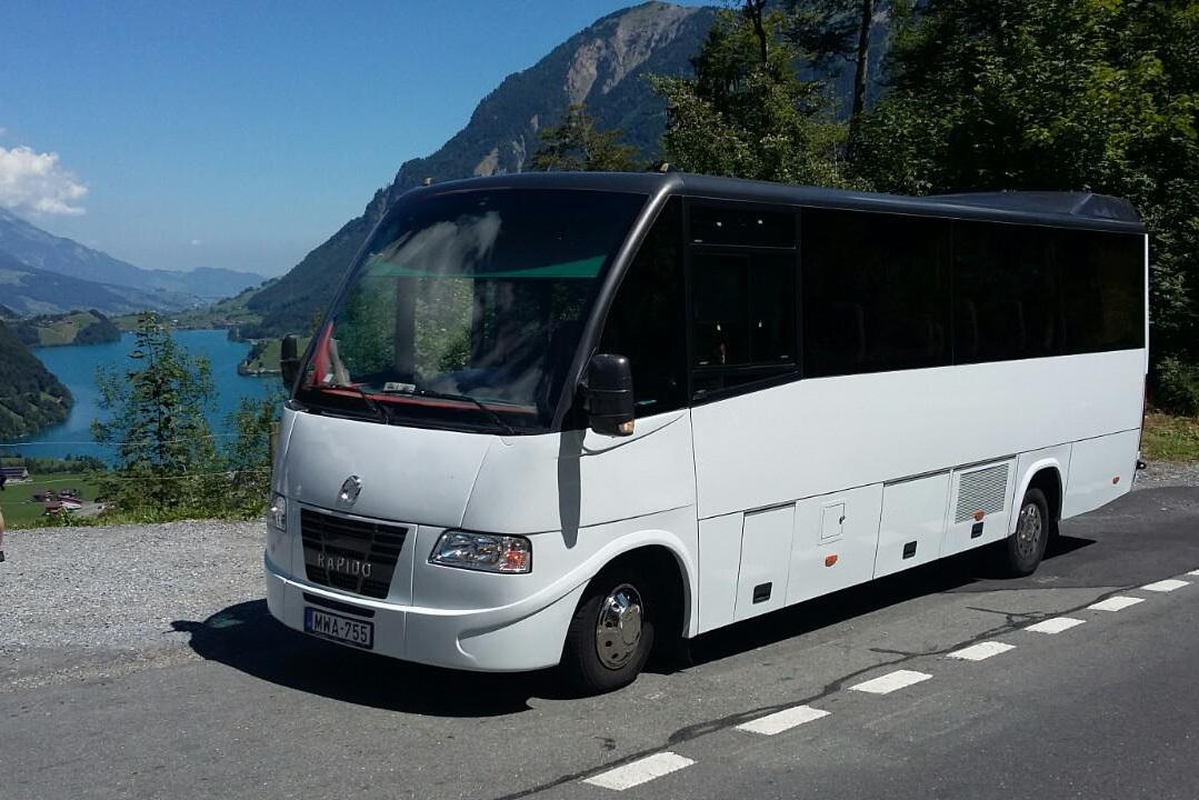Milyen esetekben lehet szükség buszos személyszállításra?