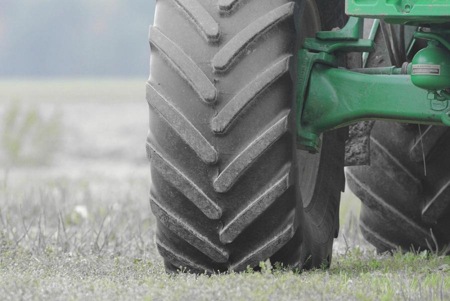 Mezőgazdasági gumiabroncsok jó és rossz időben is