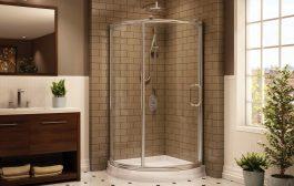 Ragyogó üvegfelületekkel teli egyedi zuhanykabinok