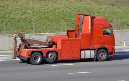 Kamionmentőre van szüksége azonnal?