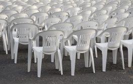 Béreljen műanyag asztalt és székeket tőlünk!