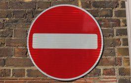 Tökéletes meglepetés? Válassza a közlekedési táblát!