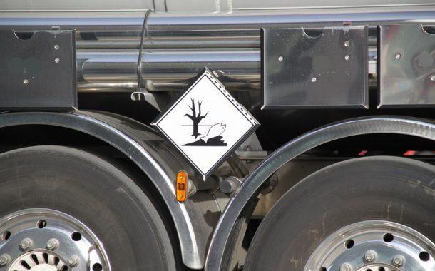 Veszélyes hulladék szállítás az előírásoknak és igényeknek megfelelően