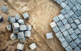 A bontott kiskockakő okos megoldás a közterület fejlesztéshez